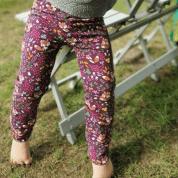 Skinny broekje met vosjes en bloemetjes